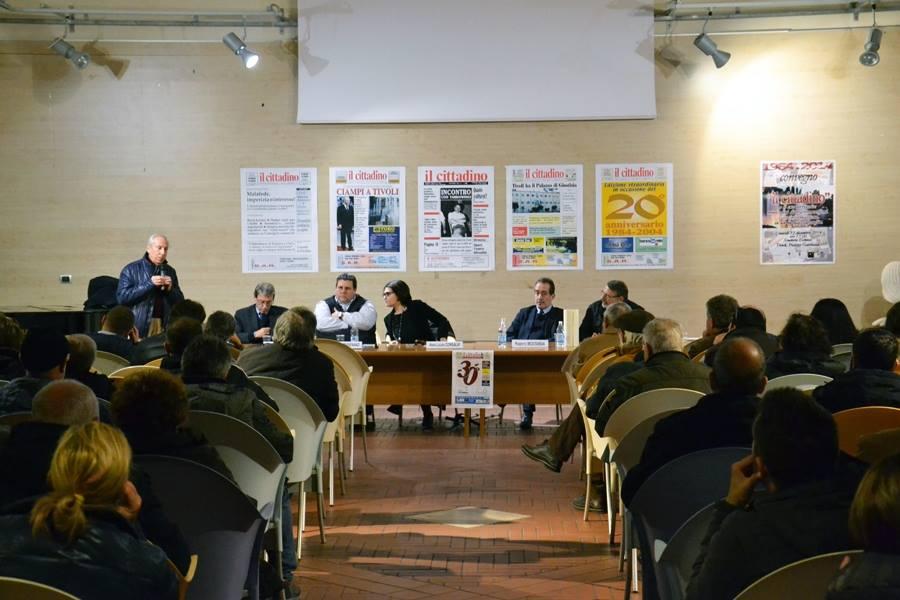 L'L'intervento di Giuseppe Proietti nell'incontro per i 30 anni del 'Cittadino' (foto di Paola Aucelli);