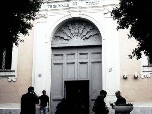 L'ingresso del tribunale di Tivoli