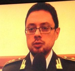 Alessandro Di Filippo, tenete colonnello della Finanza, illustra i contenuti dell'operazione