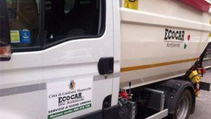 Un camioncino dell'Ecocar a Guidonia