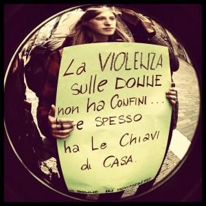 violenza donne chiavi di casa