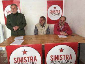 La conferenza stampa di questa mattina. Da sinistra, Fabrizio Pirro, Tommaso Verga, Massimo di Vincenzo